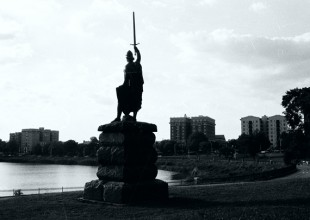 Photo: Unlike many monuments in the Park, the William Wallace statue still stands.